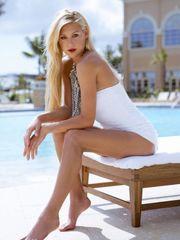 Ten year older bare girls - Super hot..