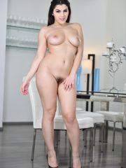 Brunch with Valentina Nappi - Stunning..