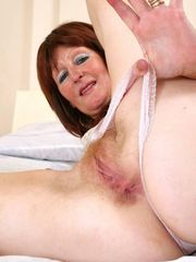 Mature mother cooter flick Cougar Free
