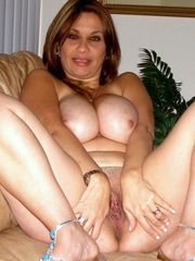 Still beddable mature damsels with big..