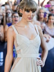 Taylor Swift Mind-blowing Young lady..