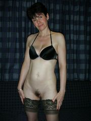 50plus UK Mummy nude she is old but..