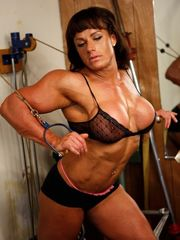 Massive  beefy chick spectacular bare..
