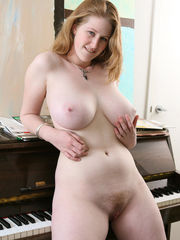 Images flashing for Round Pallid Tits -..