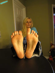 Danielle Trixie Feet (photos) -..