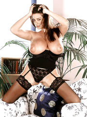 Huge-chested Mummy Linsey pulling out..