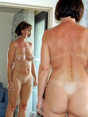 Beautiful nude cougar with a excellent..