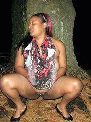 Big ebony arse in the woods