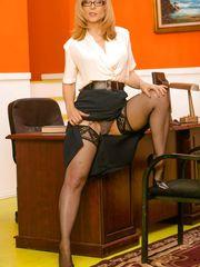 Super super hot mature Nina Hartley in..